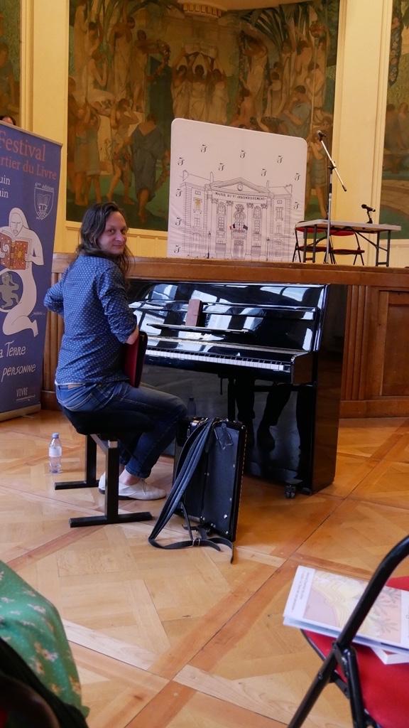 Étienne Champollion, multi-instrumentiste, compositeur et arrangeur