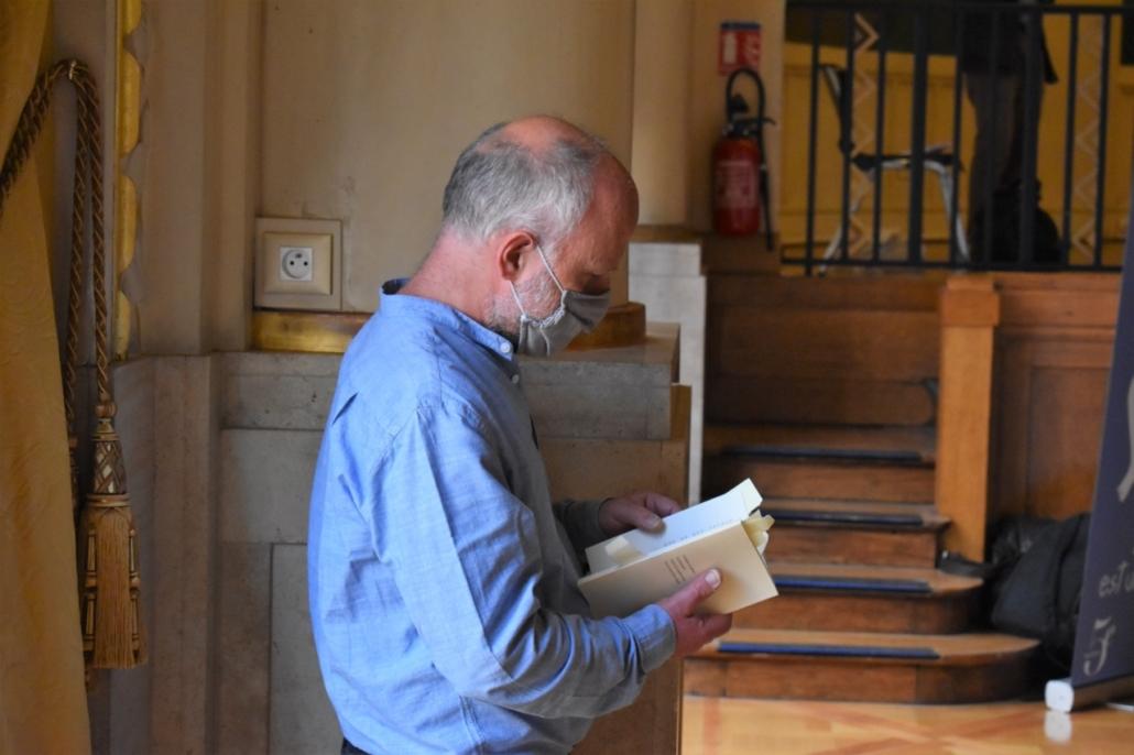 Etienne Orsini, en attente de la 3ème grande soirée de Poésie en liberté