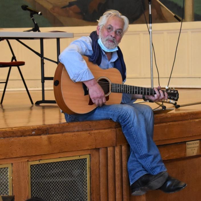 Eric Guilleton, auteur compositeur interprète