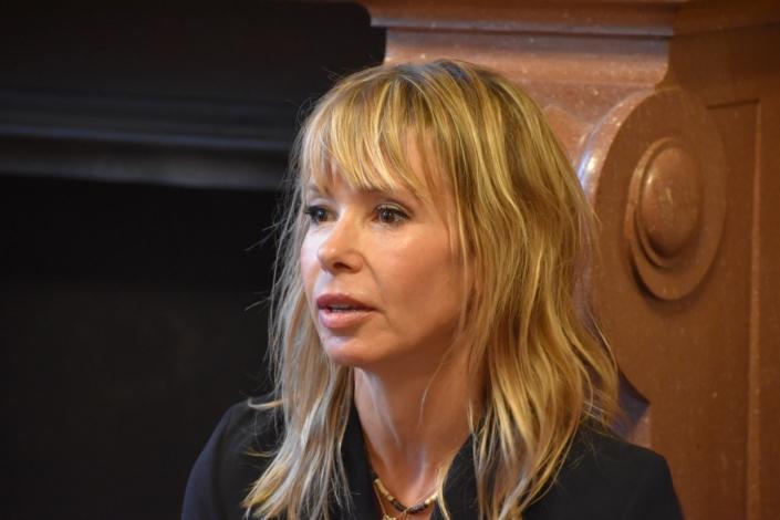 Romane Serda, auteure compositrice interprète