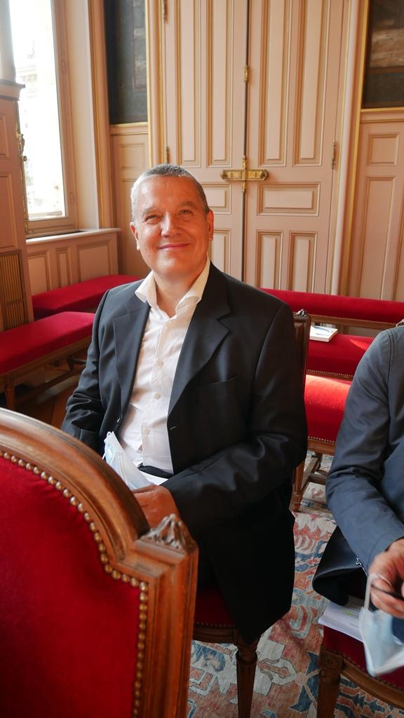 Eric Meadmore, responsable veille, MAEE, délégué par son président Louis Dominici