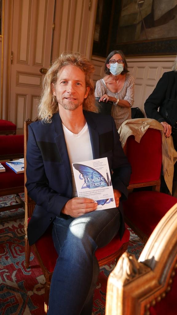 Gwendal Peizerat, patineur artistique, champion olympique de danse sur glace, auteur compositeur interprète